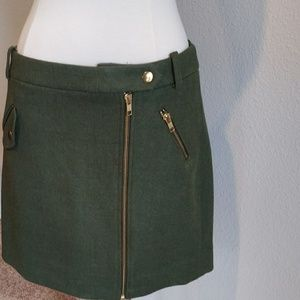 J crew sz 4 wool look.gold details . New cond!